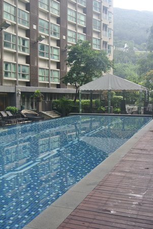 Royal View Hotel: Pool area