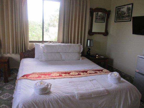 3 Monkeys Villa: room