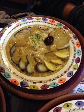 Hatunpa: Aji de gallina (chicken, milk, and nuts)