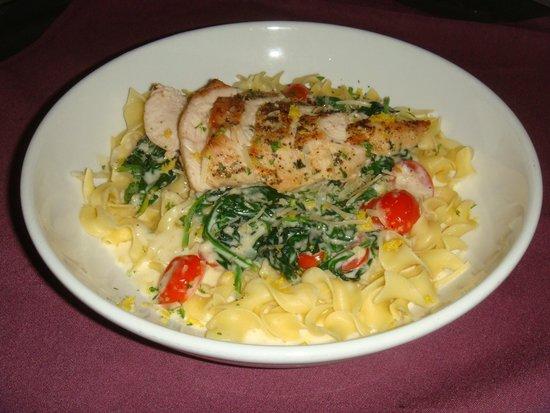Il Vinaio Chicken Florentine Over Pappardelle Egg Noodles