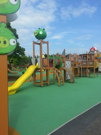 Lightwater Valley Theme Park: Angry Birds 1