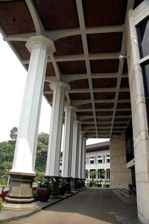Gedung Sate: 回教禮拜堂