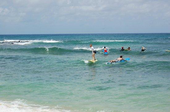 Kauai Surf School: Riding my first wave!
