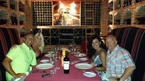Secrets Silversands Riviera Cancun : The wine room