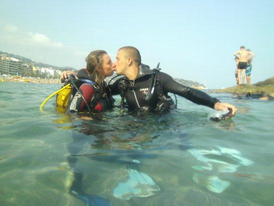 Dolphins Diving Center: Try dive? Scuba Kiss!