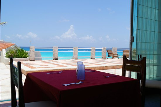 Solymar Cancun Beach Resort: VISTA DESDE RESTAURANTE LA ISLA