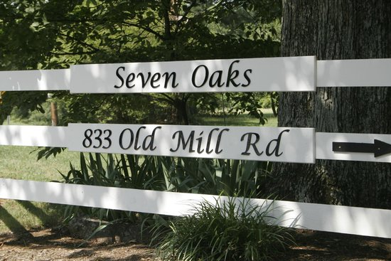 Seven Oaks Inn Bed and Breakfast: Welcome to Seven Oaks