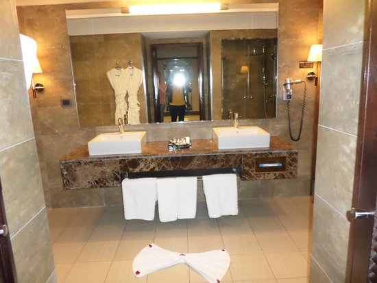 Hotel Riu Palace Tikida Agadir : Bathroom - suite