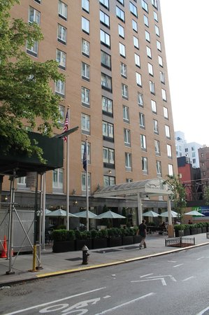 Holiday Inn Express New York City - Chelsea: The hotel from the street