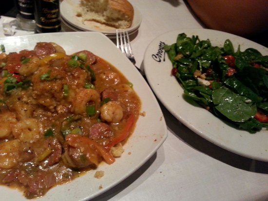 Connors Steak & Seafood: Shrimp and grits with strawberry walnut salad...so delicious!