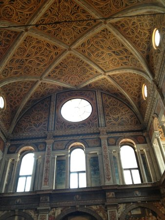 Chiesa di San Maurizio al Monastero Maggiore : fondo de la parte trasera