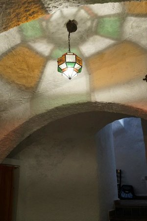 Apartamentos Montesclaros: Interesting light in the bed area