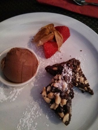 Ning : Cashew Nut Brownie with Chilli & Chocolate Ice Cream