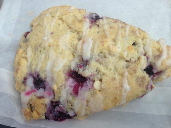 Woodside Bakery : Huckleberry scone