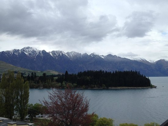 Rydges Lakeland Resort Hotel Queenstown: Visto do quarto com vista para o lago