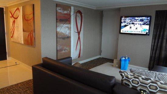 Golden Nugget: Living room