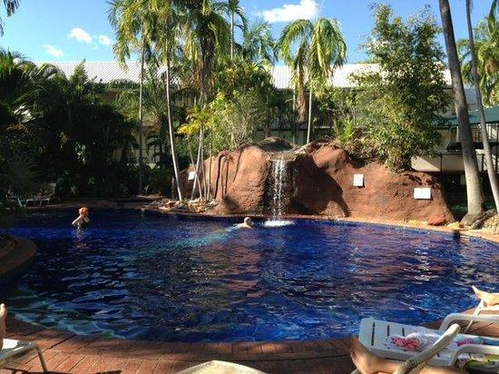 Travelodge Mirambeena Resort Darwin: The Pool Area