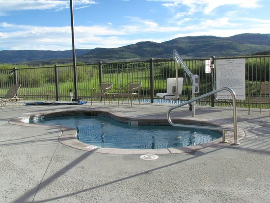 WorldMark Granby: Hot Tub (disability friendly)