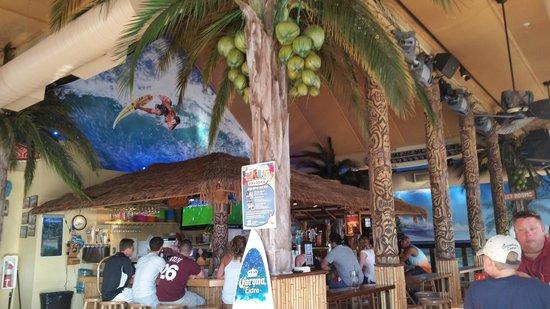 Nalu Hawaiian Surf Bar & Grille : Interior: Restaurant / Bar