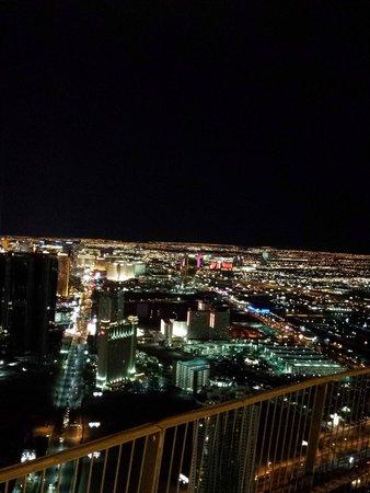 Stratosphere Hotel, Casino and Tower, BW Premier Collection: Vista noturna da Torre