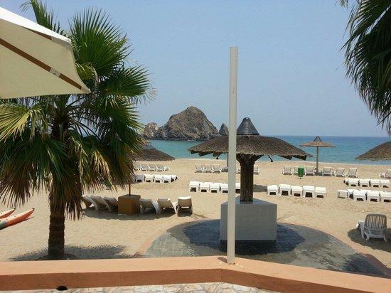 Sandy Beach Hotel & Resort: Sandy Beach