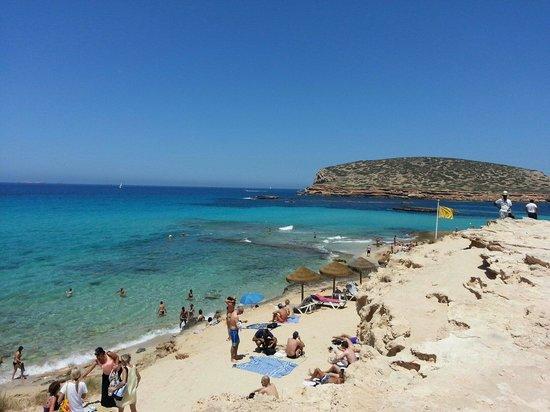 Cala Comte: La playa