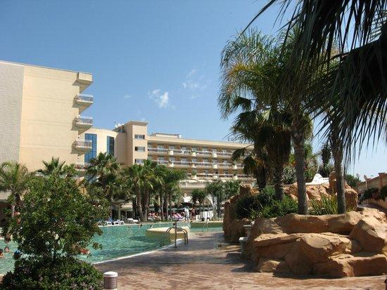 Palas Pineda: Территория отеля
