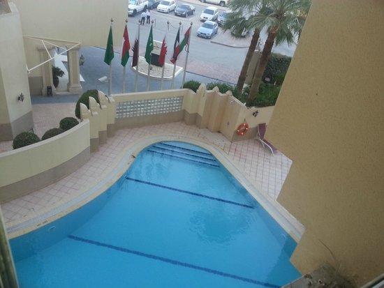 Movenpick Hotel Doha: Pool