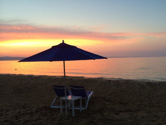 West Bay Beach, a Holiday Inn Resort: The end of a wonderful day