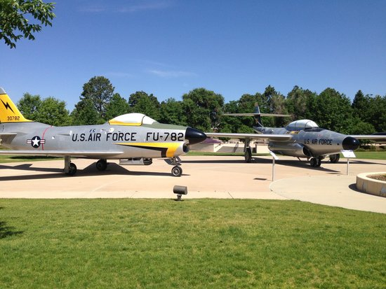 Peterson Air & Space Museum: Many cool planes!