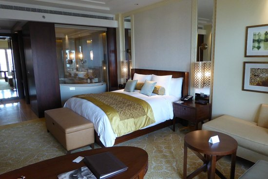 The Ritz-Carlton, Dubai : Zimmer