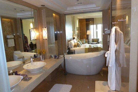 The Ritz-Carlton, Dubai : Badezimmer