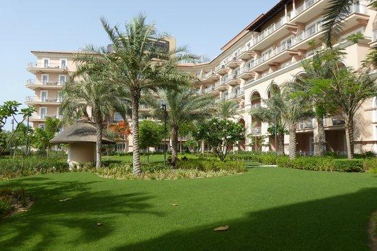 The Ritz-Carlton, Dubai : Hotelgelände