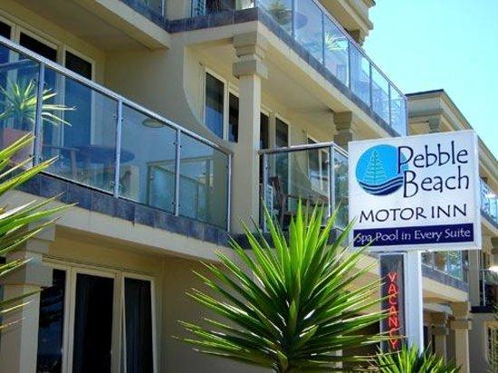 Pebble Beach Motor Inn: Stunning Architecture