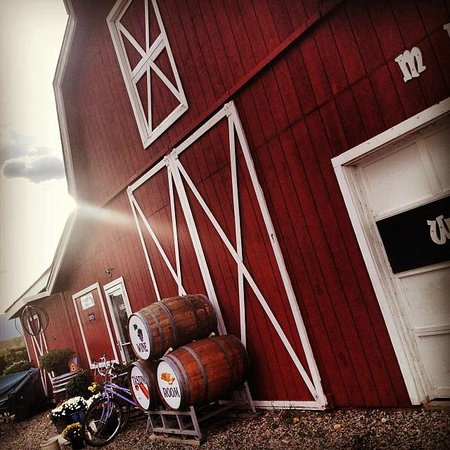 Palisade, CO: The big red barn