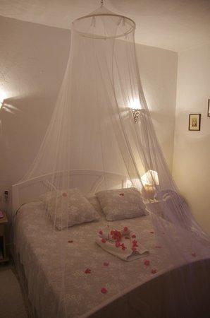 Menzelcaja: chambre décorée par Sihem