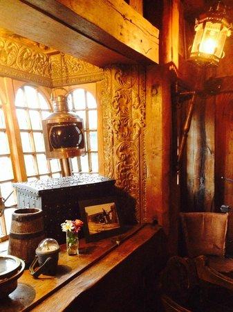 Belleek Castle: Armada Bar