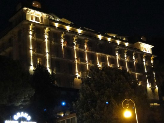 Grand Hotel Bristol Resort & Spa : Façade Hotel (côté mer)