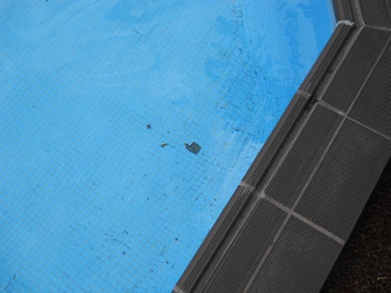 Fuerteventura Princess: Missing tiles from the bottom of the heated pool