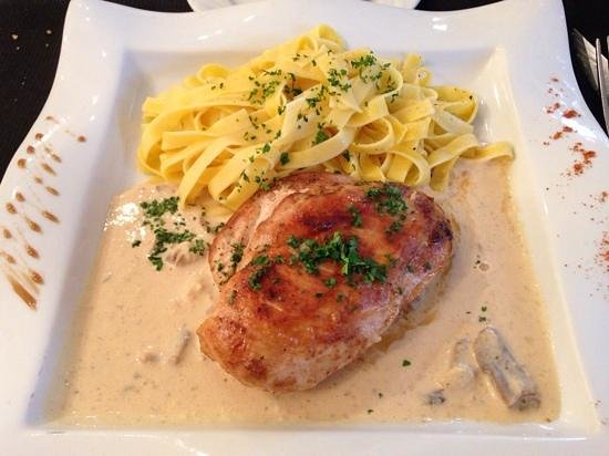 Burgerman : chicken with normandy sauce