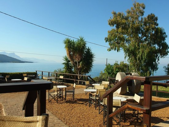 Melitsina Village Hotel: Beautiful breakfast view