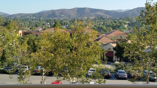 Sheraton Agoura Hills Hotel: View from our balcony