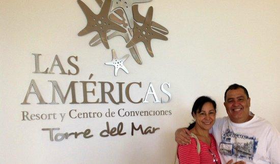 Hotel Las Américas Torre del Mar: En la Recepción, llegando de caminar por la playa a primera hora de la mañana...