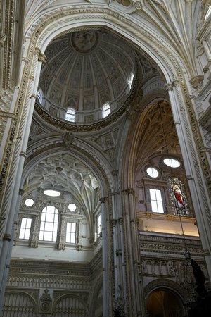 Cathédrale de Cordoue : The cathedral bit