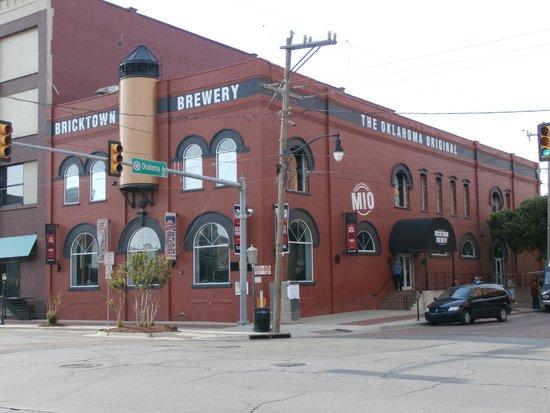 Bricktown Brewery Restaurant: Building exterior