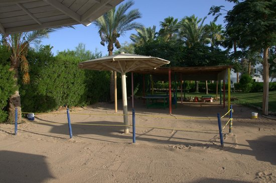 Hotel Novotel Sharm El Sheikh : Детская площадка на пляже... Увы..
