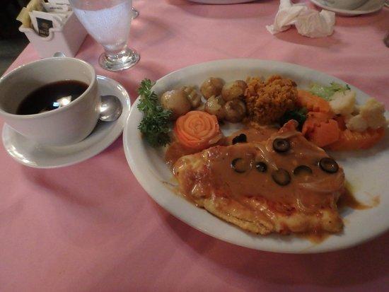 Nene's Restaurant : Chicken in Portuguese Sauce