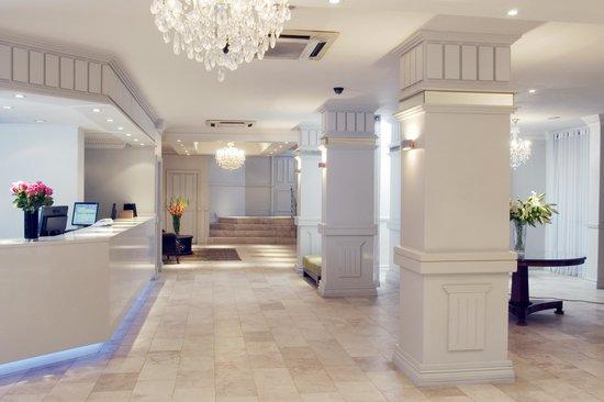 Manhattan Hotel : Hotel Reception Area