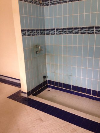 Grand Hotel Pigna Antiche Terme : Stato delle docce evidentemente non pulite