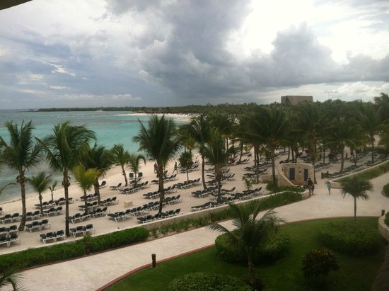 Barcelo Maya Palace: Lounges and Palms